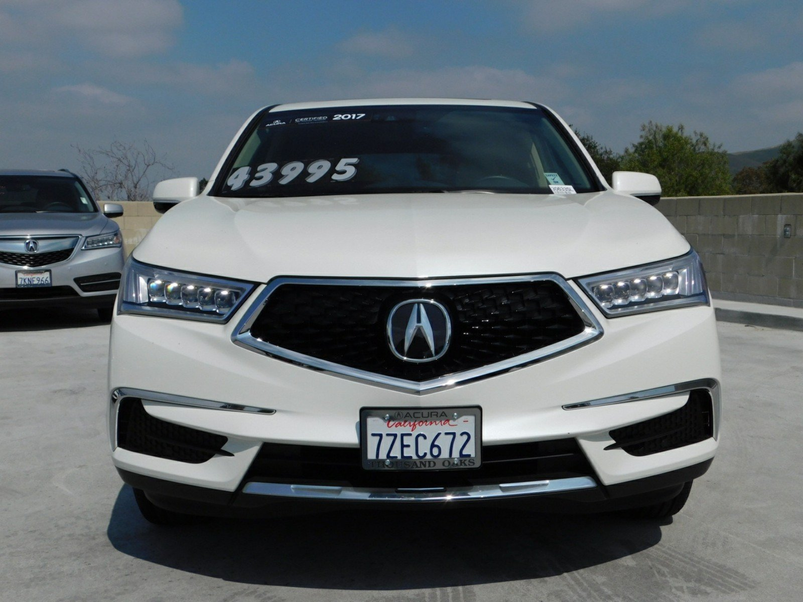 certified pre owned 2017 acura mdx with technology package sport rh acuraofthousandoaks com 2011 Acura MDX Interior 2011 Acura MDX Interior